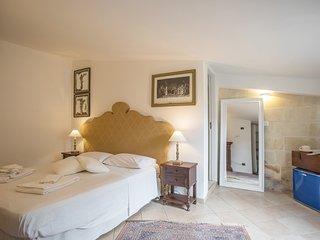 Splendia suite indipendente  in un palazzo storico del 1200 a Lecce