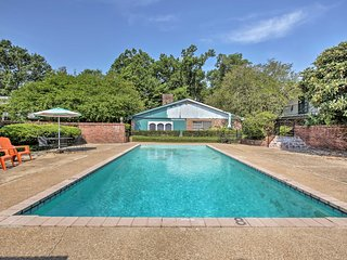 NEW Apt w/Pool - Near Downtown Baton Rouge & LSU!