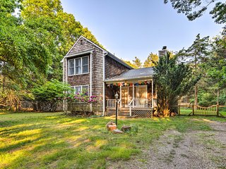NEW-Rustic East Hampton Family Home Mins to Beach!
