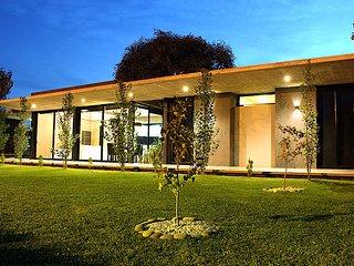 Casa en Club de Campo. Hermoso parque. Para 4 personas.