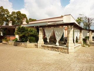 Olimpia pool villa