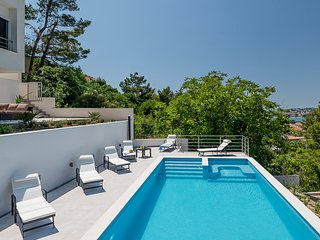 Luxury Villa Graf with pool and beautiful view
