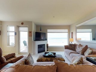 NEW LISTING! Oceanview & dog-friendly condo w/free WiFi, shared pool & hot tub