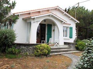 250 m de la Plage, belle villa familiale de type 5 avec jardin clos / 10 personn