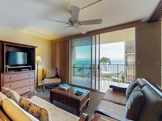 NEW LISTING! Condo with shared pool & ocean views near beach, shops, restaurants
