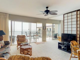 NEW LISTING! Bright oceanfront condo w/ views, shared pool, and beach access