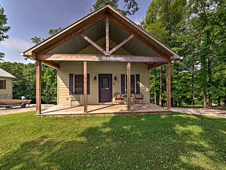 NEW! Rogersville Cabin 1 Min to Wheeler Lake!