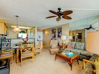 NEW LISTING! INewly-remodeled oceanfront condo w/ shared pool, near beach