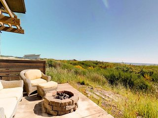 NEW LISTING! Oceanfront beach home with free WiFi and great ocean views!