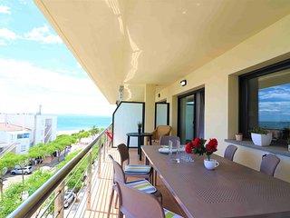 Apartamento duplex moderno de 3 habitaciones con 2 terrazas,  vistas al mar y pi