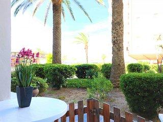 Apartamento en primera linea de playa en Roses en alquiler-PELEG318