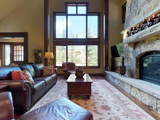 NEW LISTING! Spacious, inviting home w/private hot tub, balcony & slope access