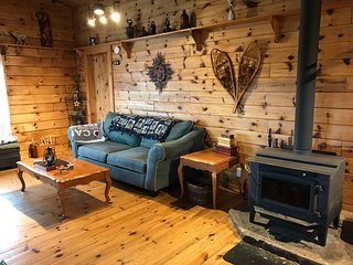 Secluded riverfront cottage on 400 acres!!