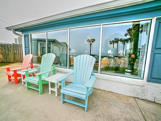 Patio looking out on the ocean.