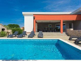 4 bedroom Villa in Krnica, Istarska Županija, Croatia : ref 5061343