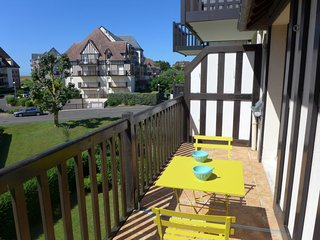 1 bedroom Apartment in Cabourg, Normandy, France : ref 5046586