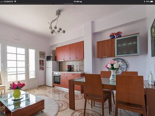 Casa Anna,center of Fira,ocean views,balcony!