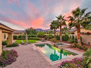 4BR Indio Beauty w/ Private Pool, Hot Tub & Billiards - Walk to Coachella!