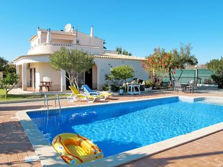 4 bedroom Villa in Alporchinhos, Faro, Portugal : ref 5637627