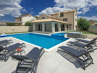 4 bedroom Villa in Filipini, , Croatia : ref 5637731