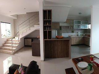 Casa duplex 3/4 para temporada em Porto Seguro para até 8 pessoas
