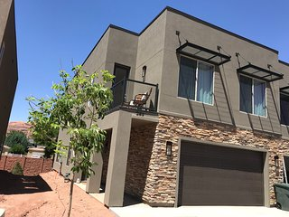 50% OFF - NEW Entrada 4 BR / 3 BA, Sleeps 12  - Combine w/2nd Unit for 8 bd 6 ba