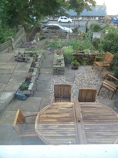 Front garden, table extends for up to 10 people