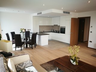 Newly built 3 Bed Apartment in Gibraltar city with pool/wifi + seaview- WestOne