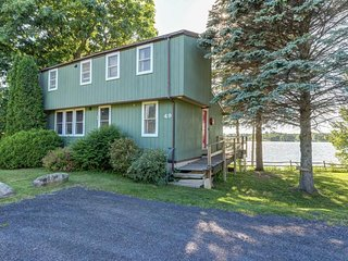 Modern lakeside cottage w/ a dock & dog-friendly attitude!