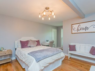 Beautiful Newly Renovated Crieve Hall Home, Great Location and Beautiful Space