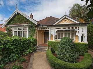 Coogee Family Home CO19