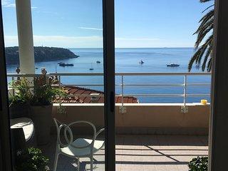 Apartment Top Proche de Monaco Vue Imprenable  sur la Méditerranée.