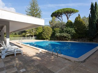 Apart with pool close to Croisette