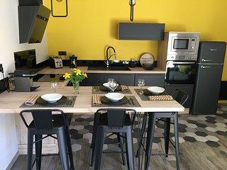 Maisonnette indépendante et traitée luxe avec terrasse et jacuzzi privatifs