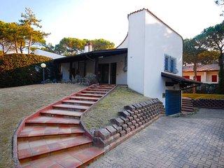 3 bedroom Villa in Lignano Riviera, Friuli Venezia Giulia, Italy : ref 5638680