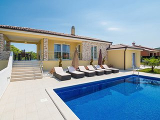 4 bedroom Apartment in Salakovci, , Croatia : ref 5638504