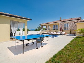 Salakovci Holiday Home Sleeps 8 with Pool Air Con and Free WiFi - 5638504