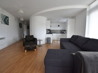 2a Bedroomed Luxury Apartment with Private Balcony