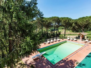 5 bedroom Apartment in Crespina, Tuscany, Italy : ref 5638601