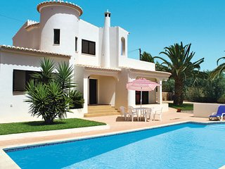 3 bedroom Villa with Pool and WiFi - 5638719