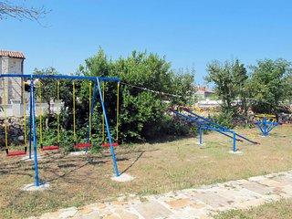 Filipana Holiday Home Sleeps 12 with Pool Air Con and Free WiFi - 5638331