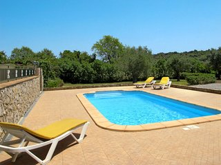 3 bedroom Villa with Pool, Air Con, WiFi and Walk to Shops - 5638701