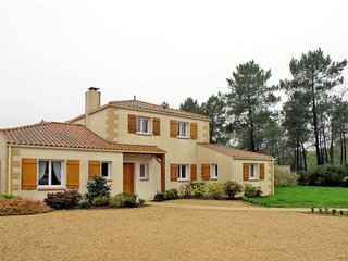 3 bedroom Apartment in Soullans, Pays de la Loire, France : ref 5638235