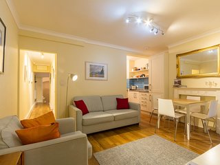 Charming Two Bedroom Garden Flat Historic Pimlico