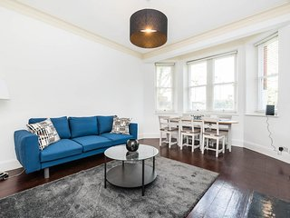 Super Exclusive 3 Bedroom Flat Heart of Chelsea