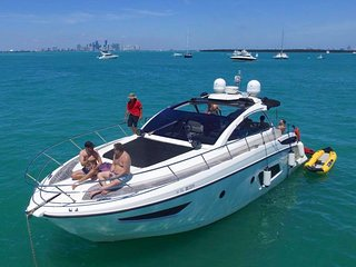 44' Atlantis - Yacht Party Rental!