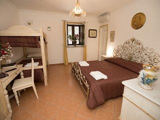 Cannatella's Mansion 2 King room