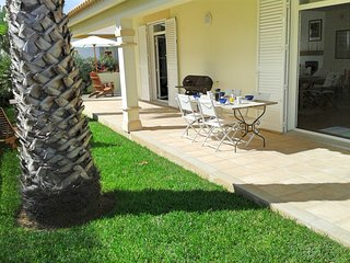 Fabulous Open Plan Villa with Garden -  5 min to the beach | Casa Belazure