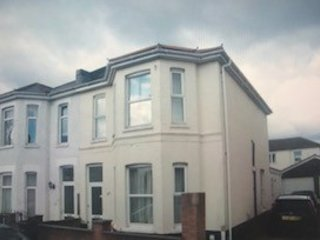 5 Bed house - 1 mile from Bmth town centre / sleeps 7