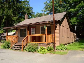 Swallow Falls Inn Cabin 4